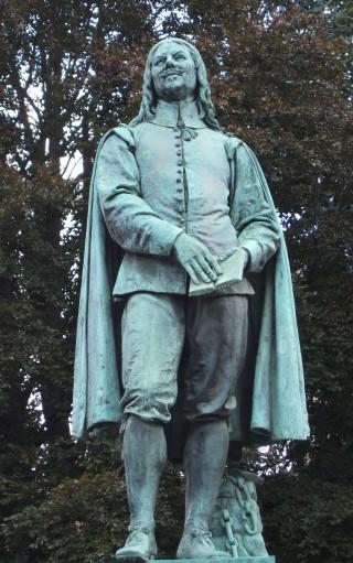 Statue of John Bunyan in Bedford | photo: Stuart Antrobus