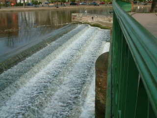 Weir on the River Ouse in 2003 | photo: Ewart Tearle