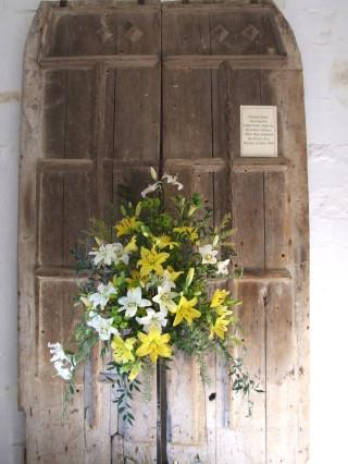 Bullet holes in Dunstable Priory church door made in 1644    photo: Ewart Tearle