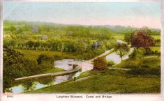 postcard of Leighton Buzzard canal and bridge (Barbara Tearle)